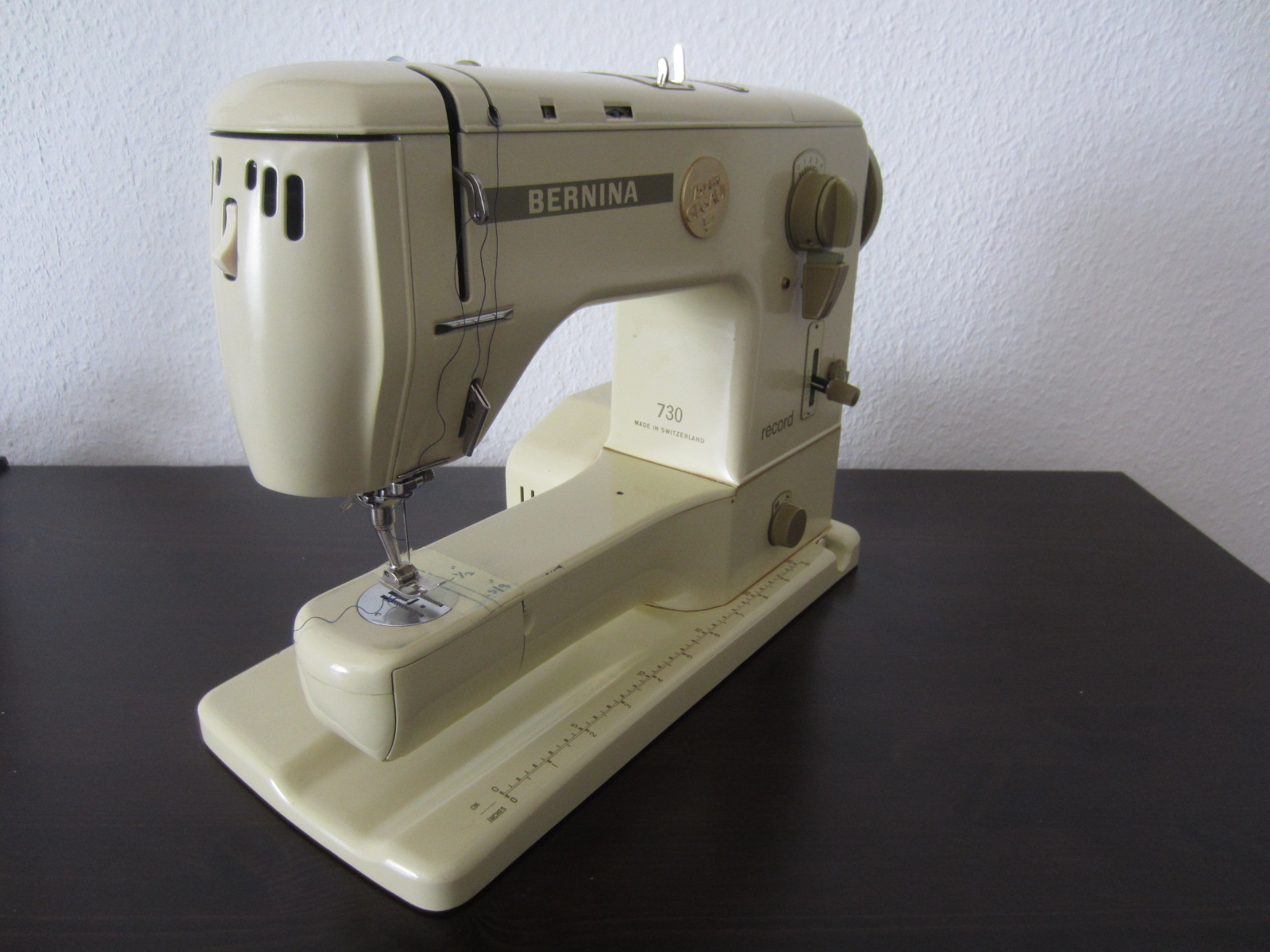 how to use bernina 31 presser foot
