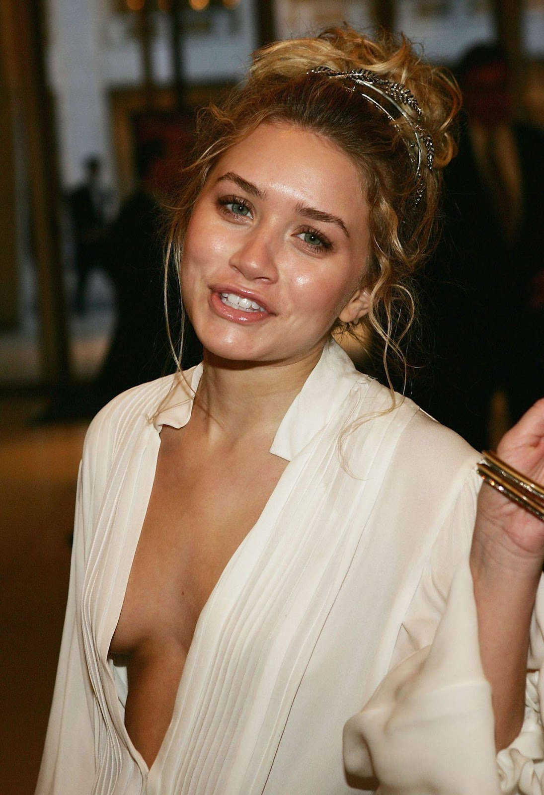 http://1.bp.blogspot.com/-113Cx8CHn2E/T2APPXexYMI/AAAAAAAAArA/Cx48J_FGwgE/s1600/Ashley+Olsen-Hot-4.jpg