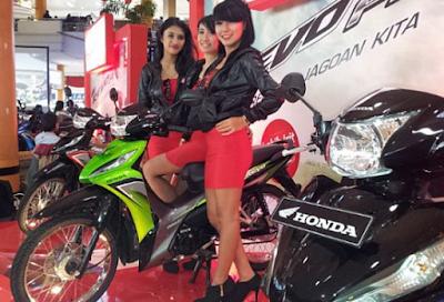 Honda Revo dan Model Cantik