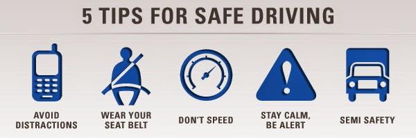 Anda niscaya sering mendengar kecelakaan kemudian lintas Tips & Cara Berkendara Aman di Jalan Raya