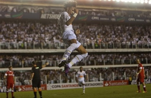 Santos striker Neymar celebrates after scoring his second goal against Internacional