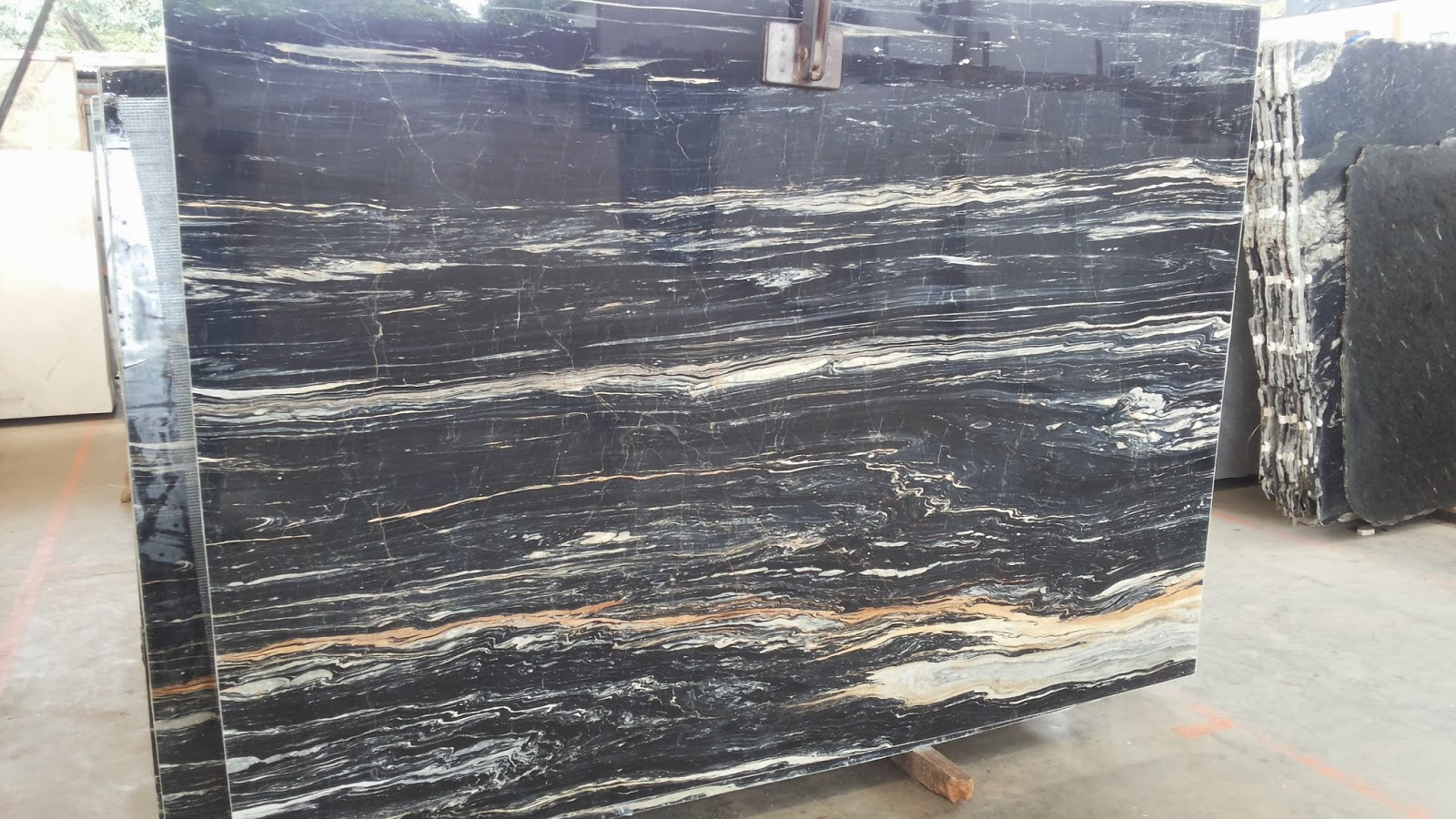 MArmer Hitam Picasso MArble