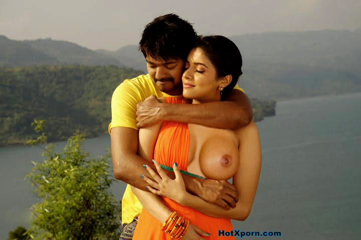 Nude Asin exposed her boobs in film