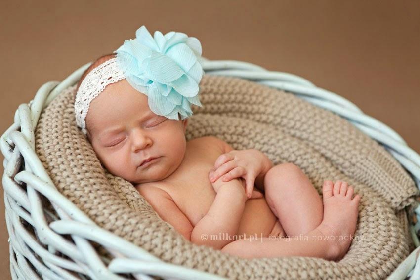 fotografia noworodków, sesja fotograficzna noworodka, sesje zdjęciowe rodzinne, studio fotografii dziecięcej w poznaniu
