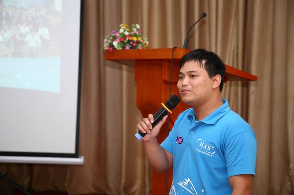 Anh Phạm Vũ Lộc, đại diện cho HAS phát biểu tại chương trình. Ảnh: Đỗ Sơn Tùng (USTH).