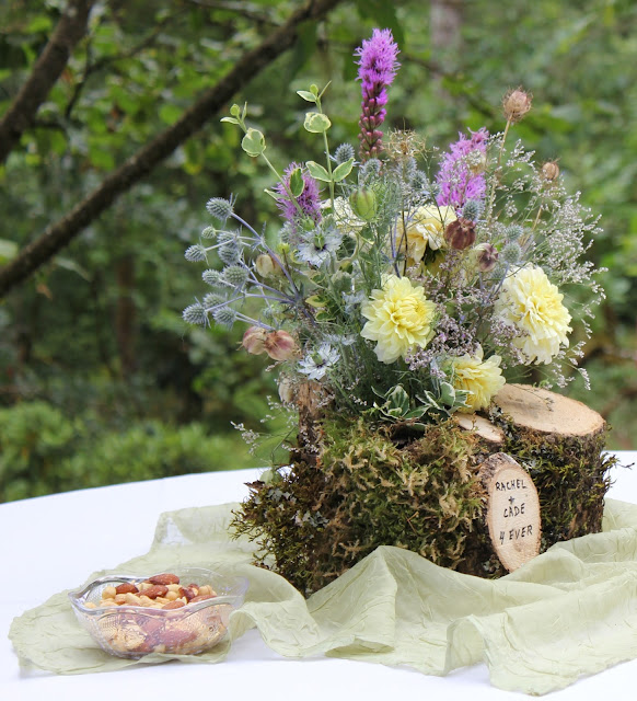 Wedding floral design at the Garden of Gentle Breeze, Japanese Garden and Wedding Venue in Oregon
