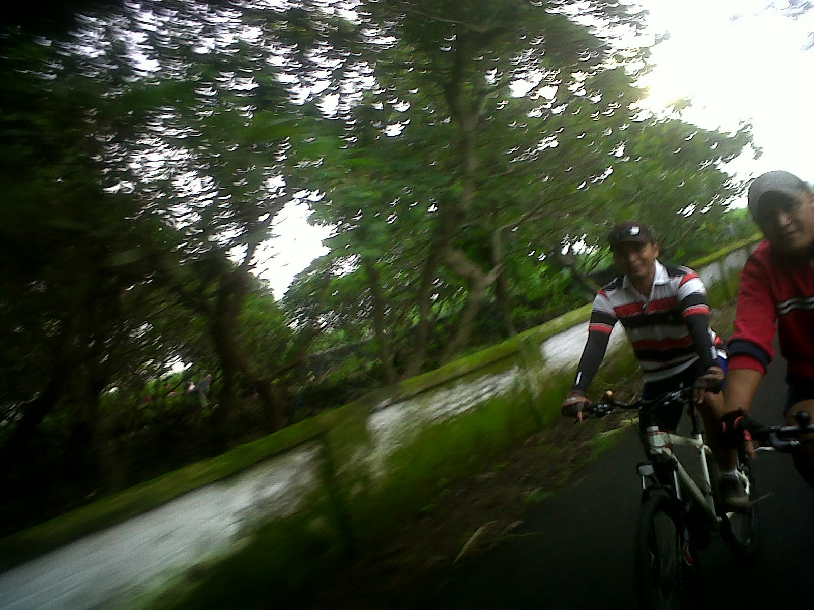 Sepedaan Minggu Pagi