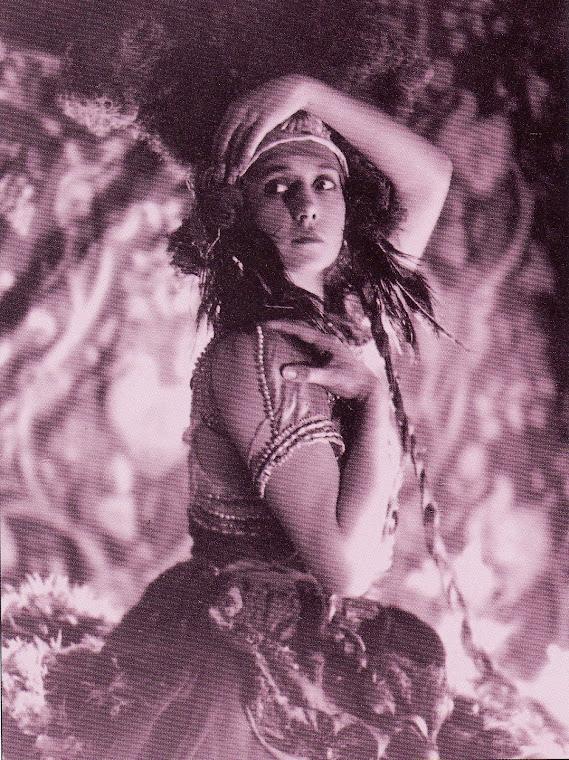 Balé: O Galo de Ouro. Reapresentação com novos cenários e figurinos (1914).