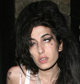 Amy Winehouse Dead Body