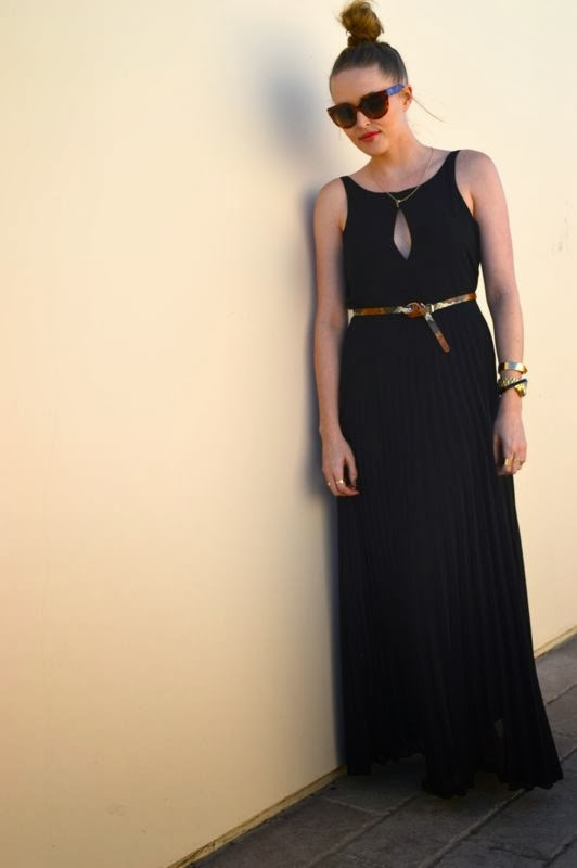 Girls Night Out Holiday Style- Golden Divine Blog- Holiday Dresses-Lulus.com
