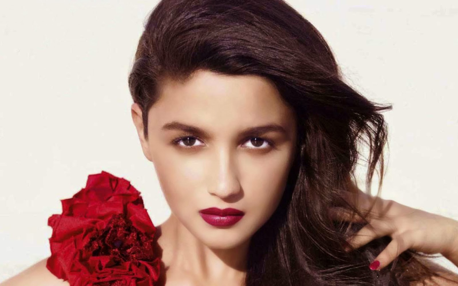 best images and wallpapers of Alia Bhatt lovely pics also