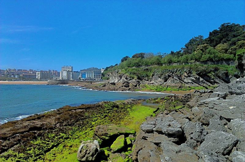 Playa de los Molinucos Santander