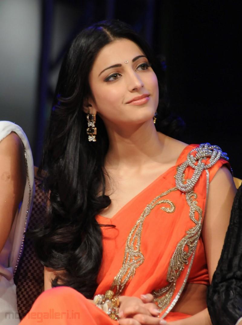 Shruti Hassan - Photo Actress