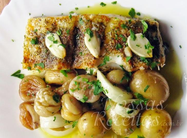 receita de bacalhau assado preparado com batatas e castanhas