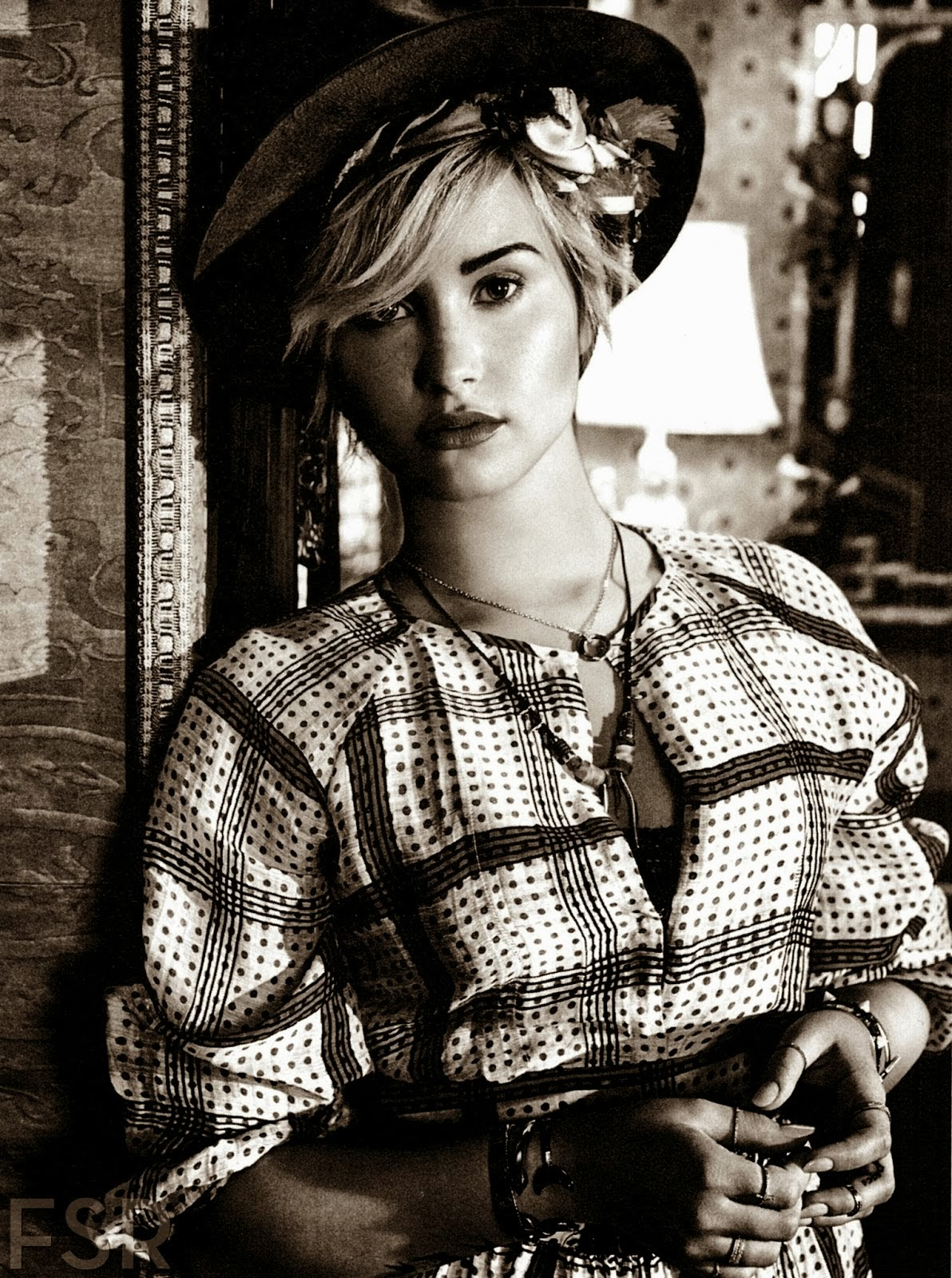 Demi Lovato by Giampaolo Sgura for Teen Vogue November 2013Demi Lovato Teen Vogue Photoshoot