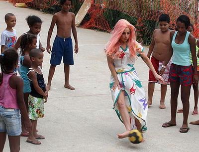 lady gaga main bola