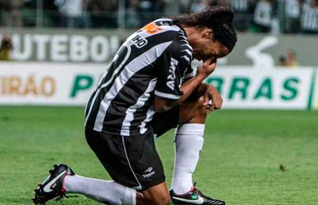 Ronaldinho vivió el luto, la gloria y el llanto