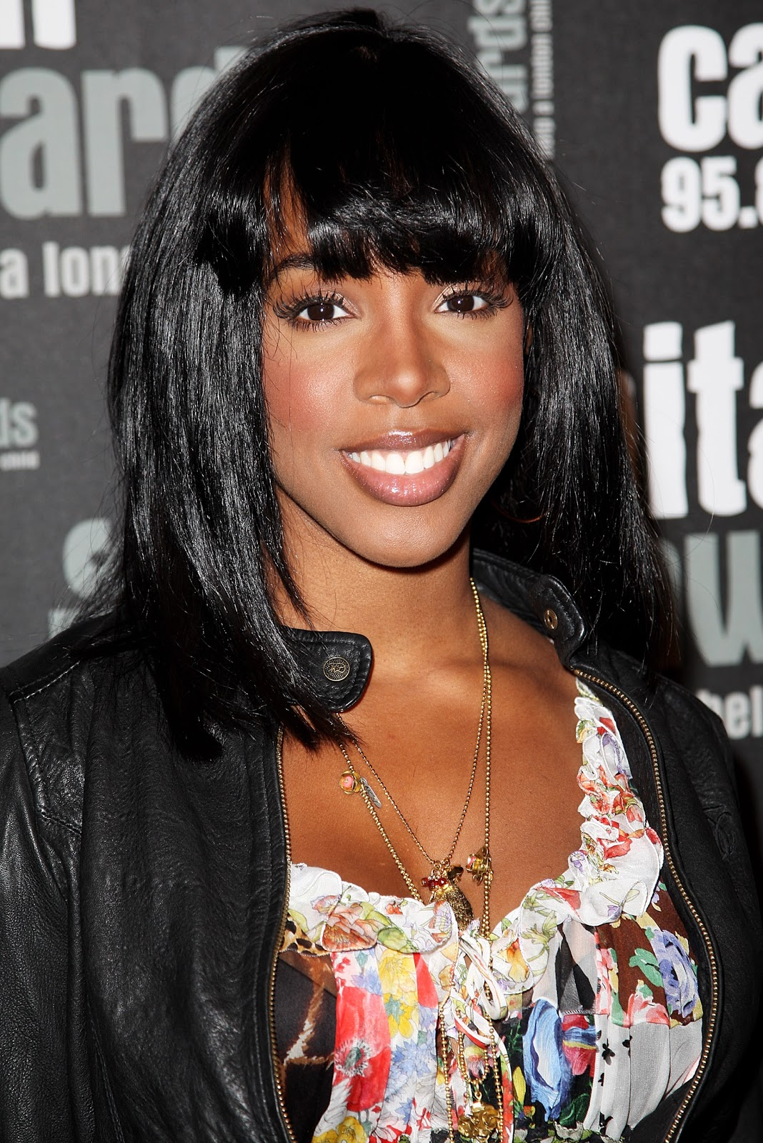 http://1.bp.blogspot.com/-13TpoHp1eRU/UB2JwcZe1DI/AAAAAAAAFP4/8JO-U9zhRGw/s1600/Kelly-Rowland-hairstyle-pictures-singer-actress-celebrity-on+and+on-Kelly-Rowlands-wallpapers+(1).jpg