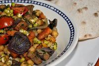 cizrnovy salat s pecenou zeleninou