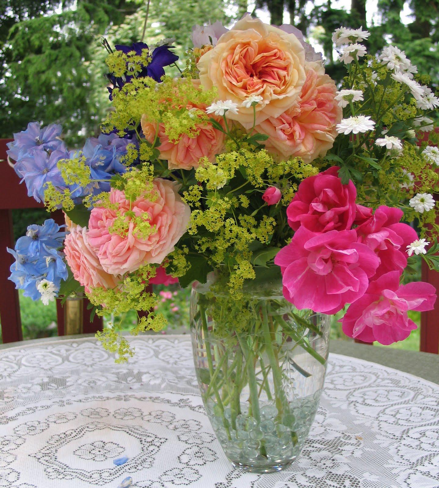 My petal press garden blog cut flowers from my garden for Best flowers for cutting garden
