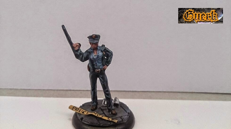 Galeria de Guerk Police+woman-mujer+policia-knight+model-35mm-+batman+miniature+game-+batman+(2)