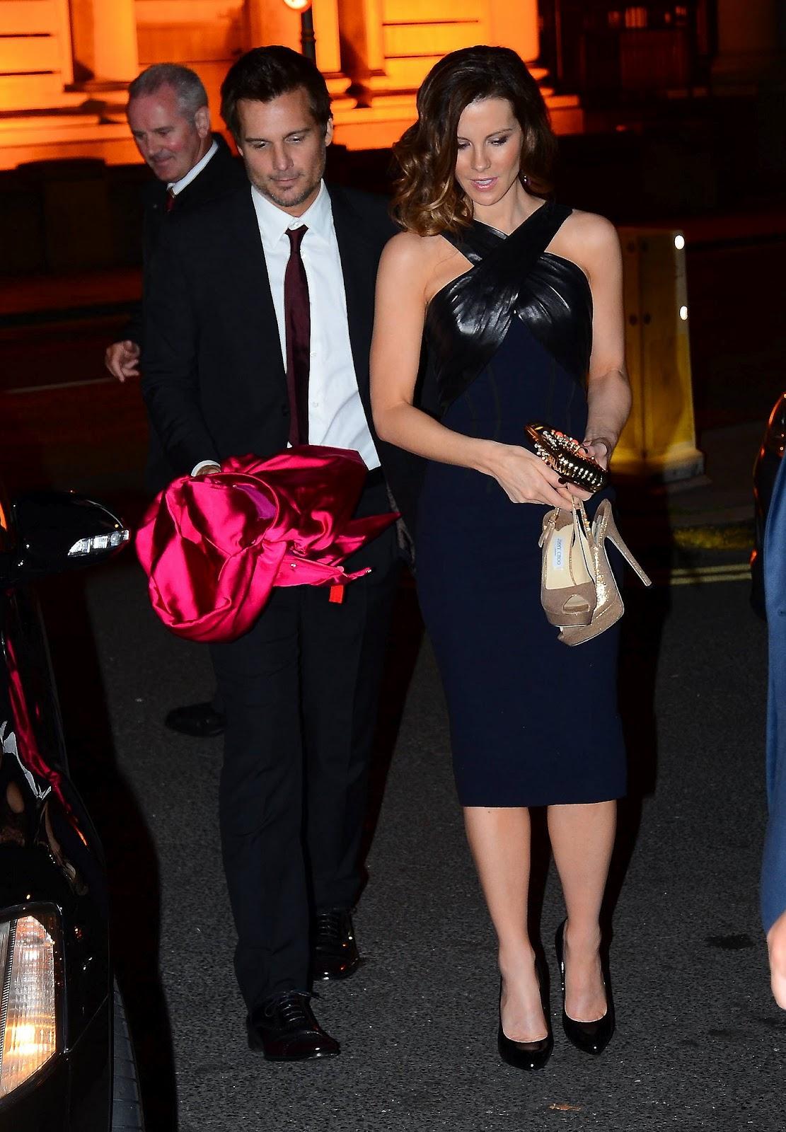 http://1.bp.blogspot.com/-13z3ArHMldY/UCzb-yfARZI/AAAAAAAAZWA/kdOvWwvp-W8/s1600/Kate+Beckinsale+-+Total+Recall+After+Party+in+Dublin+-+August+14,+2012+3.jpg