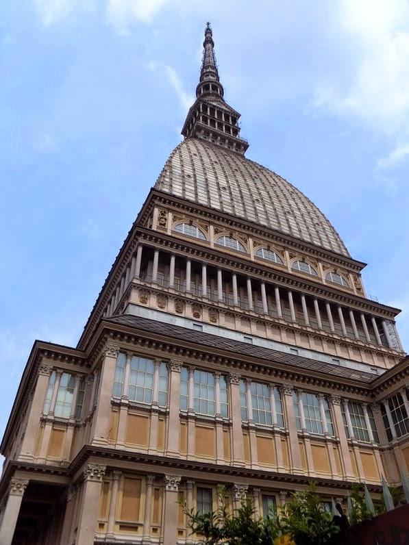 Turin Italie Via Po la mole