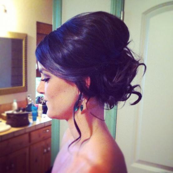 updo, beautiful hair, messy bun, bridesmaid hair, wedding hairstyle