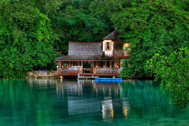 http://1.bp.blogspot.com/-14PNsKubBPs/ULu8OIFBjpI/AAAAAAAAMSo/bx4js1RtCi0/s1600/GoldenEye-in-St_-Mary-Jamaica1.jpg