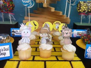 Wizard of Oz Character Cupcakes with Dorothy, Tin Man, Scarecrow, Cowardly Lion, Glinda the Good Witch and the Wicked Witch of the West