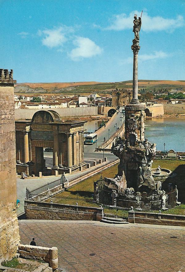 Triunfo de San Rafael, puente romano y Puerta del Puente