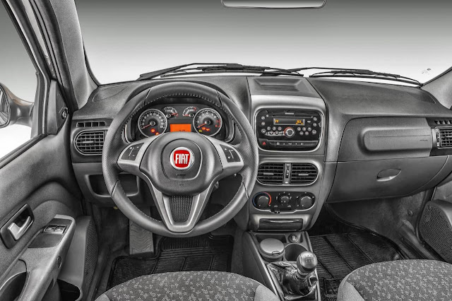 Nova Fiat Strada 2014 Trekking - interior