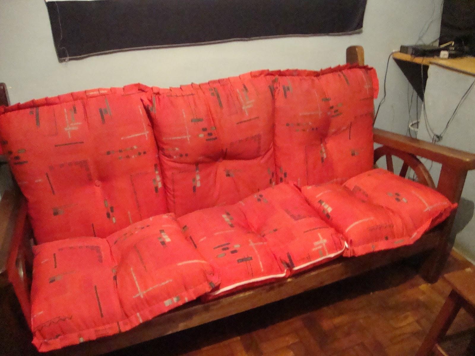 sofá tinha menos de 1 ano de uso é um sofá rústico bonito mas  #C5060E 1600x1200