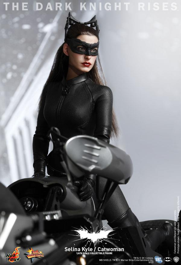 Catwoman - Dark Knight Rises - Hot Toys 12 quot  Action FigureHot Action Figure