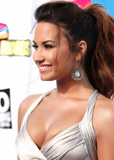 [Image: demi-lovato-2011-hot-01.jpg]