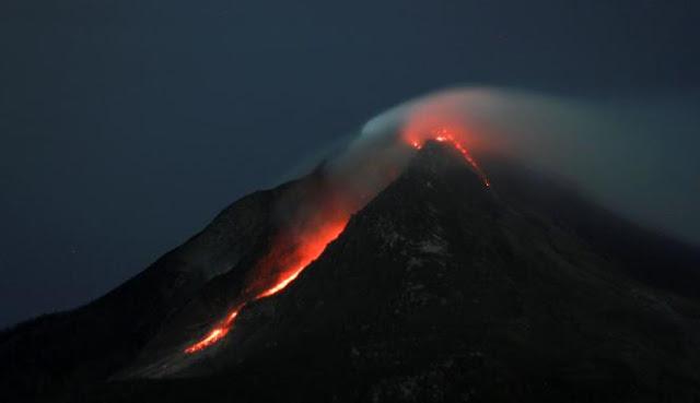 Penyebab Gunung Sinabung Erupsi Kembali