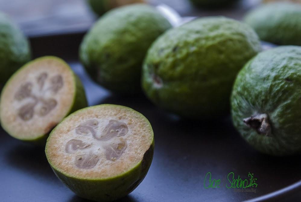 La feijoa sellowiana il frutto gustoso cuore di sedano for Pianta feijoa