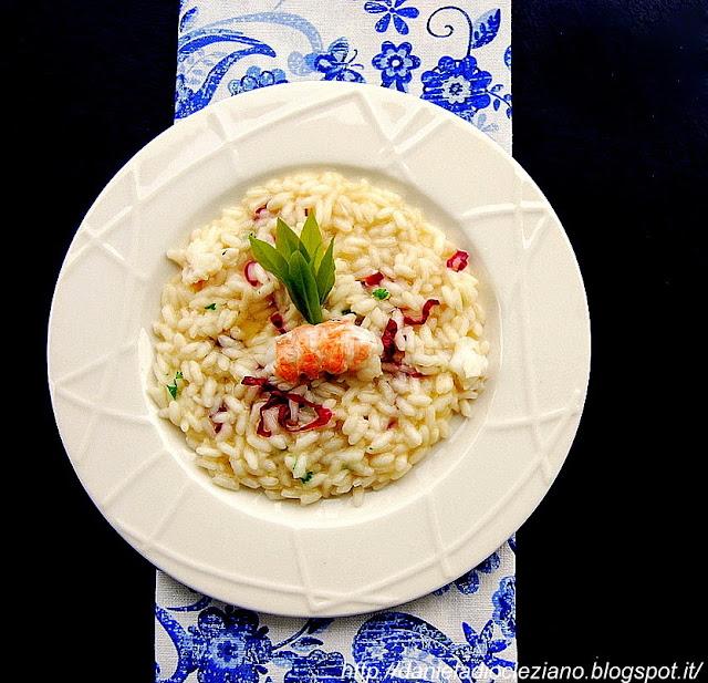 la festa del bocolo : risotto con scampi, petali di rosa e prosecco