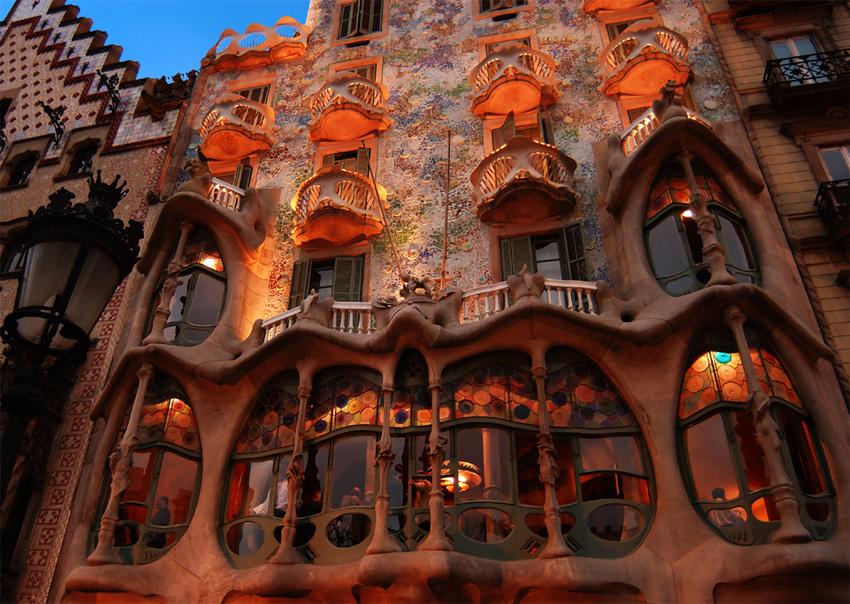gaudi, gaudi barcelona, gaudi architecture park, gaudi architecture barcelona park