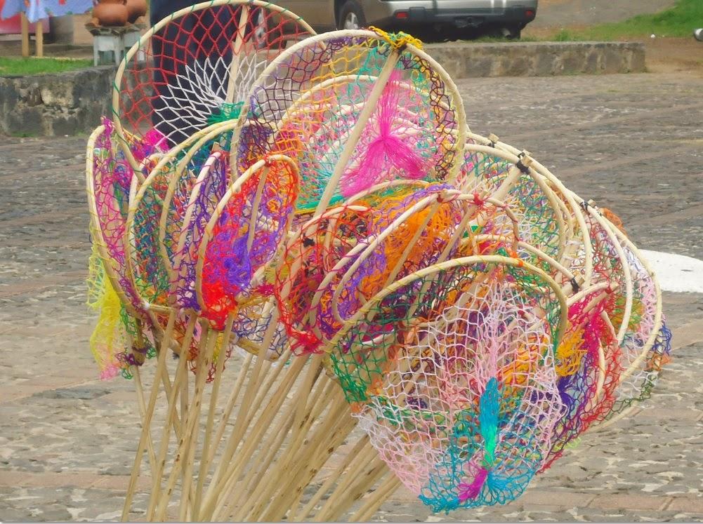 Juguetes Artesanales para niños como las redes para pescar en el Lago de Pátzcuaro