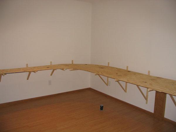 SCALE WEST RAILS: Love layout room construction pics