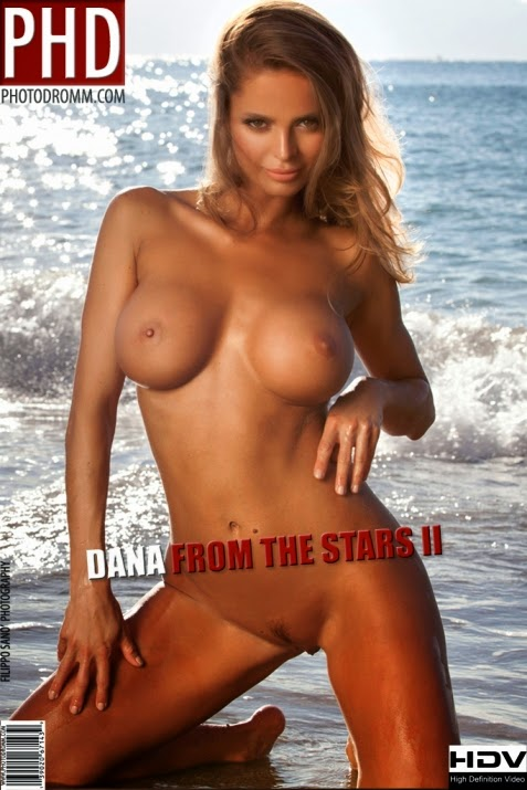 Dana_From_the_Stars_2 PhDromm 2014-12-26 Dana - From the Stars 2 12070