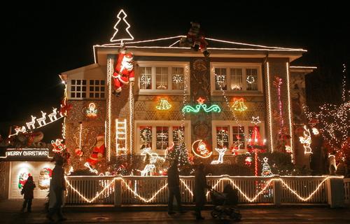 Feliz navidad decorar el exterior de tu casa en navidad - Decoracion navidena exterior ...