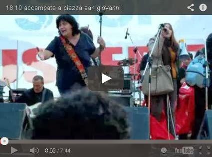 Piazza S. Giovanni 18 ottobre 2013... donne occupano palco per sciopero delle donne