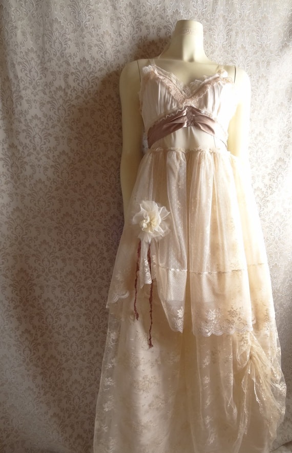 Weddingzilla alternative wedding dresses for Alternative dresses for weddings