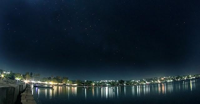 langit malam di pantai namosain