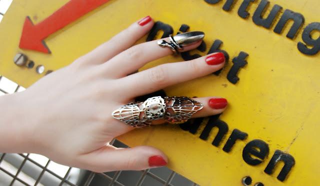 Tenebris, jewellery, lace ring