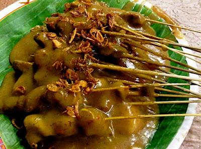 http://weresepmasakan.blogspot.com/2015/06/resep-sate-padang-enak-dan-gurih.html