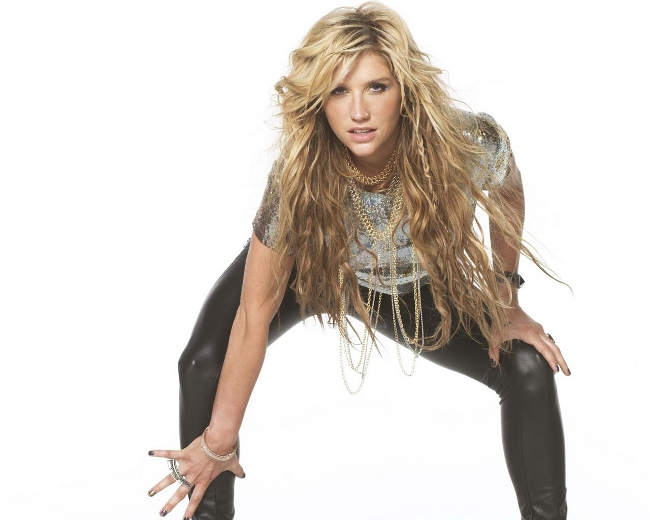 http://1.bp.blogspot.com/-16lfAluHUsA/UIDjlACbluI/AAAAAAAARg0/lF3iixLT9nI/s1600/Kesha-hot-singer+(11).jpg