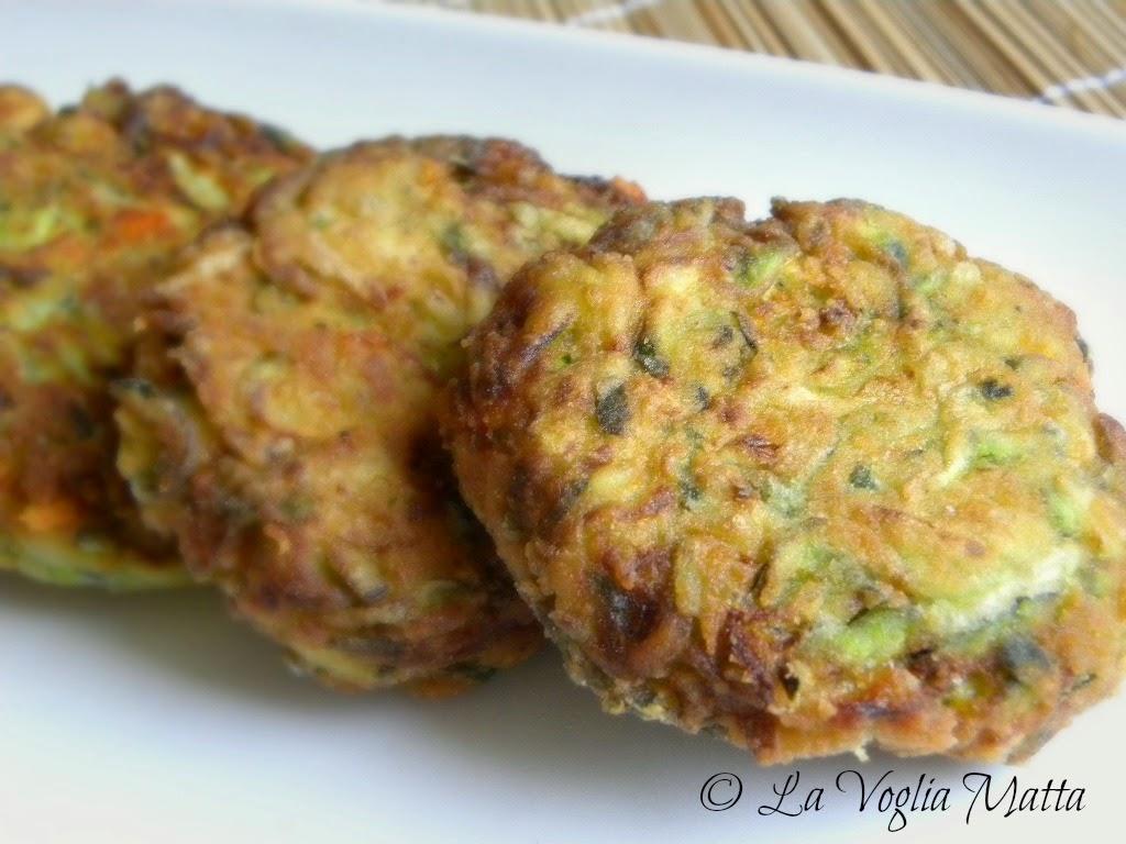 frittelle con zucchine e feta